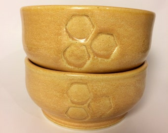 Ceramic Cereal Bowl Set with Honeycomb Pattern