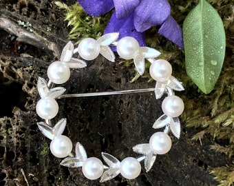 Vintage Sterling and Cultured Pearl Wreath Pin Vintage Sterling Pearl Circle Pin