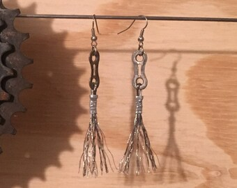 Chain Frayed Shifter Earrings