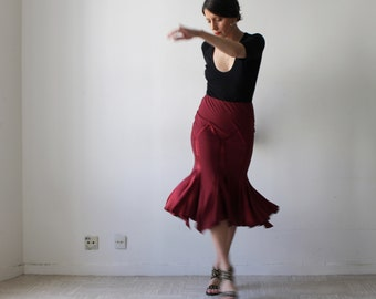 Back / skirt ROBERTO VENA silk Burgundy Red Spanish style / elastic-waisted / mid-calf length / Vintage 90s / size S-m