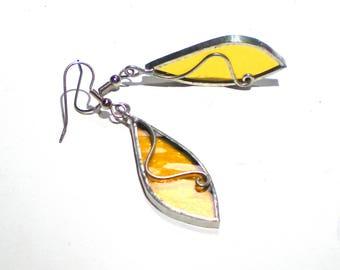 Goldene Kringel - Glasmalerei-Ohrringe - abstrakte gelb Frauen Zubehör Draht leicht Schmuck nickelfrei Haken (sofort lieferbar)