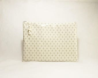 Large flat pouch or toiletry bag ecru Eleanor