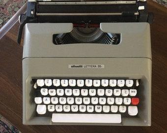 Olivetti Lettera 35i Portable Pica Manual Typewriter