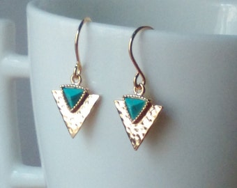 Gold and turquoise triangle earrings - Arrow earrings - Turquoise earrings - Boho earrings - Triangle earrings - Gift - Everyday jewelry
