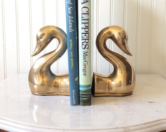 Vintage Brass Swan Bookends, Made in Korea, Swan Head Bookends, Coastal, Hollywood Regency, Chinoiserie, Cottage, Bookshelf Decor