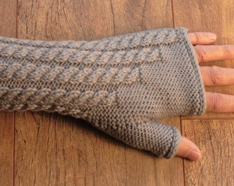 Merino Wool Fingerless Gloves - Mittens - Cable Pattern - Soft Pale Grey