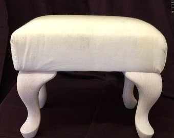 Queen Anne Style footstool base for our Queen Anne style footstool patterns