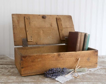 Vintage Wood Box, Primitive Wooden Box with Lid, Rustic Wood Box, Rustic Farmhouse Decor, Antique Wood Box