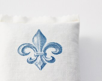 French Lavender Sachet, Fleur De Lis Cottage Chic, Blue and White Wedding Party Favor