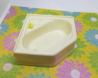 Marx  Vintage Bathroom tub Ivory   Doll House Toy soft Plastic Furniture corner tub