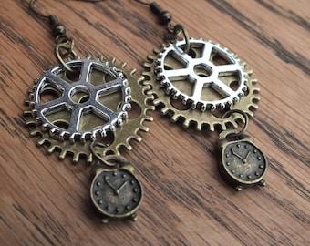 Cog earrings, time earrings, clock earrings, gear earrings, Steampunk earrings, bronze and silver earrings