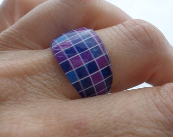 Purple and blue checkered (BA308) resin ring