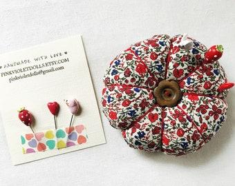 pin cushion, tomato pincushion, retro pin cushion, vintage pin cushion