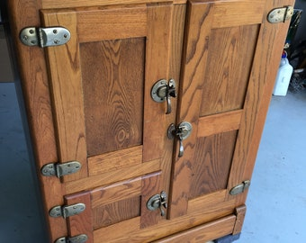 Antique solid oak icebox icechest excellent condition 16d31w41h  Shipping is not free