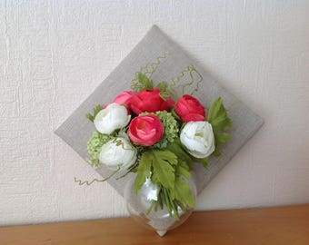 Glass ball table floral frame with flowers in vase