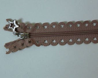 Edward closure lace star 25 cm light brown