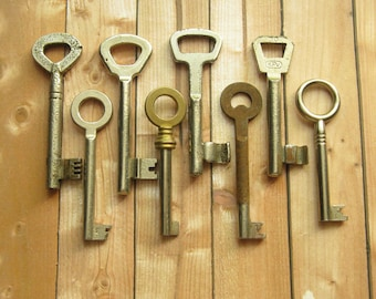 8 Vintage Keys, Vintage Finding, Old Unusual Keys, Small Old Keys, Tiny Vintage Keys, Small Metal Key, Antique Keys