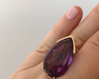 Vintage Estate Solid 9K Yellow Gold Pear Shaped Lab Purple Corundum Ring