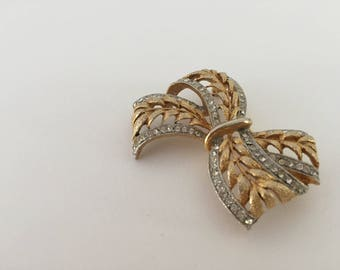 Estate Vintage JJ Two Tone Cutout Bow Brooch with Clear Rhinestones Item  # ( 36)