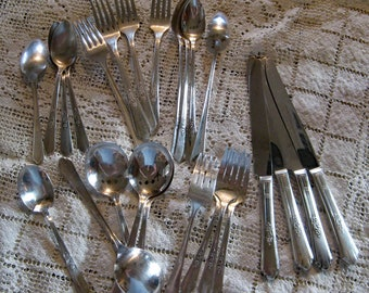 S.L.& G.H. Rogers Silverplate FLATWARE Set COUNTESS