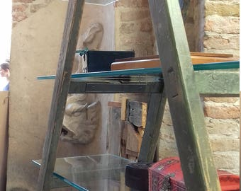 Ladder Shelf |