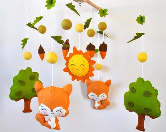 Baby mobile Woodland squirrels Forest animals Nursery mobile Cot Crib mobile Hanging mobile Baby shower gift Woodland nursery
