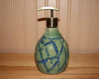 Large pottery soap dispenser, handmade green soap dispenser, lotion dispenser, kitchen, bathroom soap