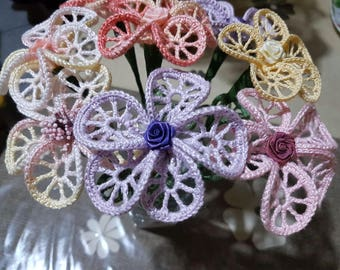 My crochet flowers of 2 sizes and various colors of your choice, made to order.