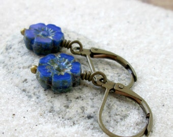 Flower Earrings - Beaded Earrings - Short Earrings - Dangle Earrings - Blue Earrings - Hypoallergenic - Titanium - Blue and Teal Series