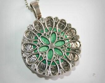 Silver tone  Locket with flower - Wedding Birthday Bridesmaids Gift-Locket Personalized Jewelry Family Locket