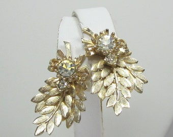 """Vintage Sarah Coventry """"Harvest Time"""" Early 1960s Textured Gold-Tone Setting with Clear Rhinestones"""