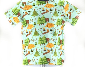 Children's camp pattern t-shirt in size 3 - 4 years