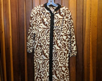 1950s // FORMAL PAISLEY To BED // Vintage Evelyn Pearson Lounging Button Down Dress