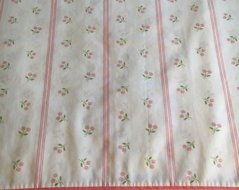 Vtg Twin Flat Bed Sheet - White with Small Pink Tulips and Stripes - Fieldcrest