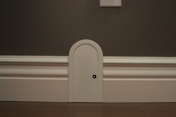 & Mouse door for interior decor.