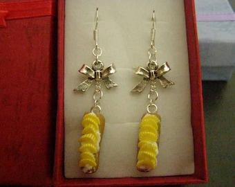 pair of dangle earrings, lightning pineapple