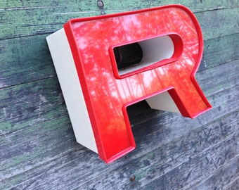 R - Reclaimed vintage letter - excellent
