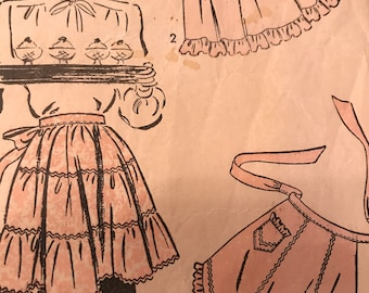 Vintage 1940's Tiered, Tucked and Gored Apron Pattern---Advance 4025---Size Small 12-14