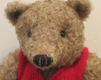 NEW PRICE! - Bernard - a O.O.A.K hand stitched mohair artist bear.