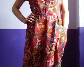Cotton dress printed with Pocket, collar, buttoned facing