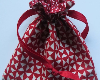 Red Lined Drawstring Fabric Gift or Jewelry Bag Holiday