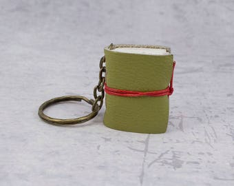 Green miniature book keychain, leather journal mini, book lover gift idea, bookish, bookworm gift, leather notebook, booklover