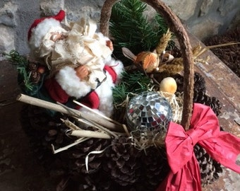 Decorative Heart Shaped Christmas Gift Basket with Santa