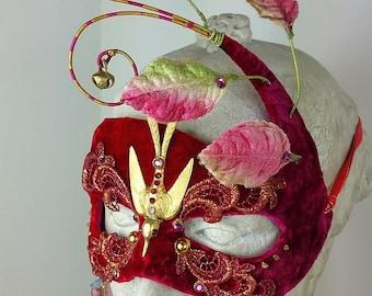 Red Bird Masquerade Mask//Bird Masquerade Mask//Masquerade Mask//Mask Masquerade//Red Masquerade Mask//Masquerade Ball Mask//Halloween Mask