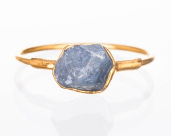 Raw Sapphire Ring, Gold Ring, Delicate Ring, Sapphire Engagement Ring, Dainty Ring, Raw Crystal Ring, Raw Stone, September Birthstone Ring
