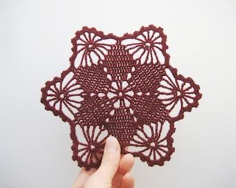 READY TO SHIP. Crochet bordo bordeaux doily, set of 5. Crochet claret coasters. Bordo crochet set. Vintage chrochet. Christmas gift or decor