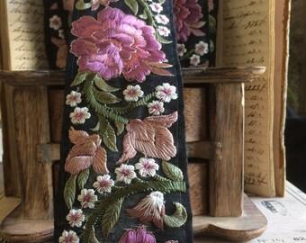 Braid Persia Afghan yarn powdered rose pink silk satin Black 7 cm