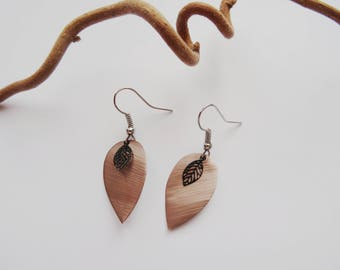 -nespresso capsules - leaf earrings - taupe - black