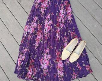 Vintage 90's Purple Floral Pleated Midi Skirt, M