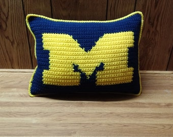 Michigan Wolverines Pillow Pattern